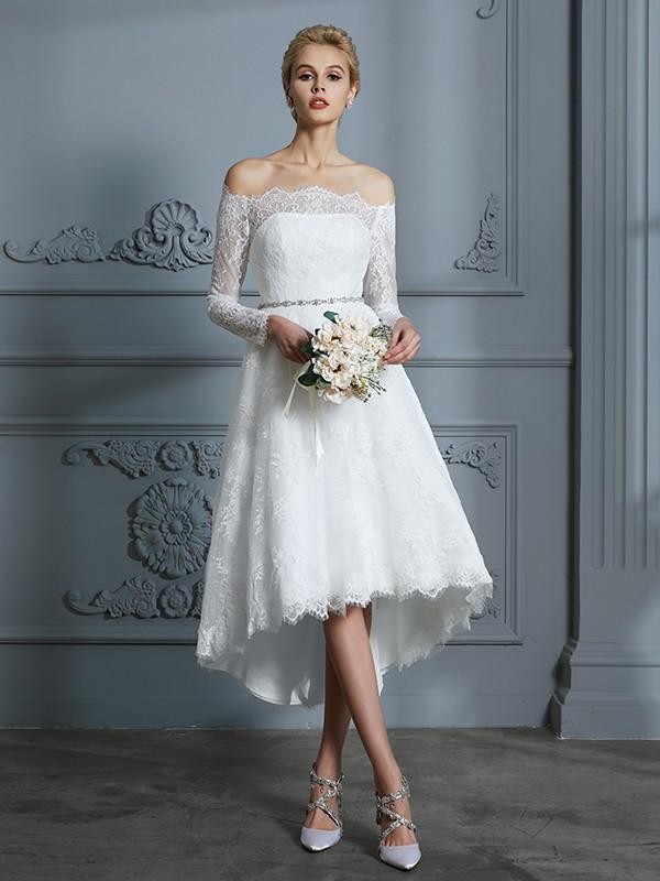 A-linje/Prinsesse Langermer Off-the-skulder Asymmetrisk Blonder Bryllupskjoler