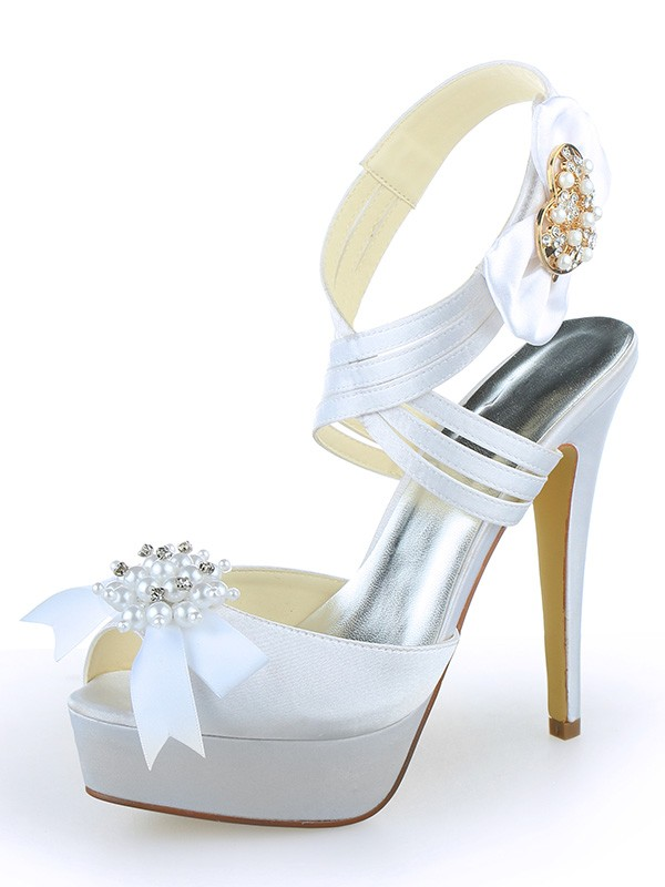 Women's Sateng Peep Toe Platform Stiletto Heel With Perler Hvit Brudesko