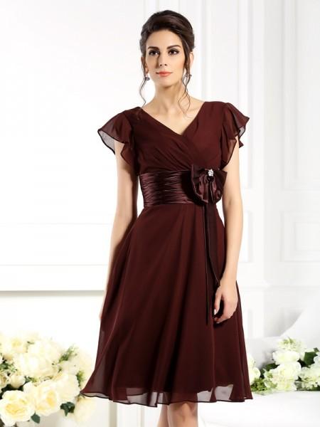 A-Linje/Prinsesse V-hals Sløyfe Kort erme Kort Chiffong Kjoler til Brudens Mor