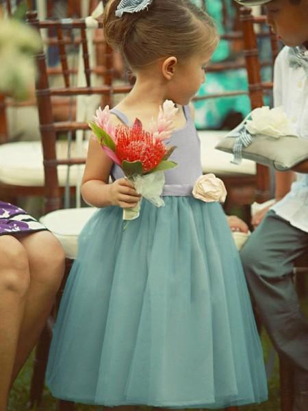 A-linje/Prinsesse Uten Ermer Square Te-Lengde Håndlagde Blomster Tyll Flower Girl Kjoler