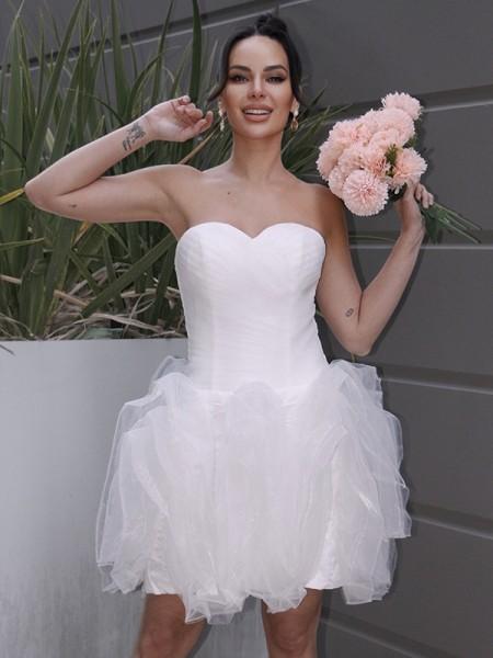 A-linje/Prinsesse Organza Ruched Sweetheart Uten Ermer Kort/Mini Bryllupskjoler