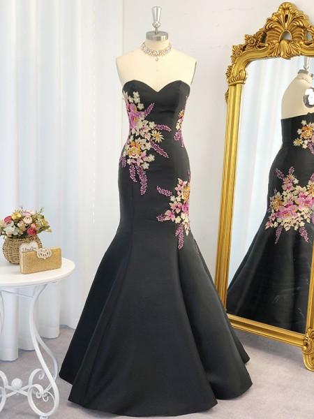 Trumpet/Mermaid Satin Embroidery Sweetheart Sleeveless Floor-Length Dresses