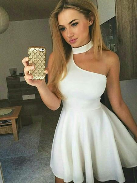 A-linje/Prinsesse Ruched Halter Sateng Uten Ermer Kort/Mini dresses