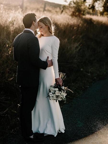 Linjeform/Kolonne Jewel Langermer Gulvlengde Frynse Elastisk Woven Sateng Bryllupskjoler